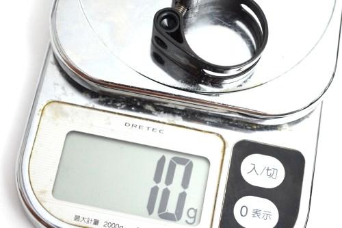 軽量のSEAT CLAMP(シートクランプ)「TRID DESIGN(トリッドデザイン)TRID WEIGHT WEENIE CLAMP(トリッドウェイトウィーニークランプ)Carbon with Ti bolt(カーボン チタンボルト)31.8mm(10g)」