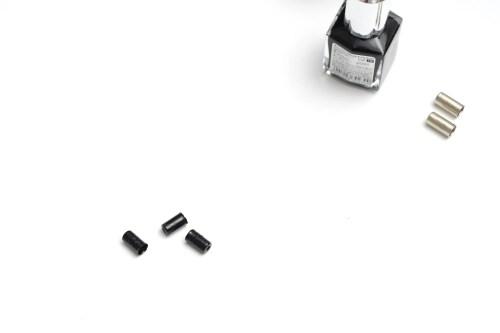 マニキュアで「ブレーキワイヤーのケーブルエンド」をブラック化のカスタマイズ