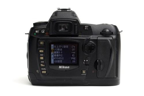 Nikon(ニコン)デジタル一眼レフカメラ D70