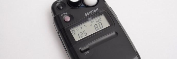 ポケットサイズの軽量露出計「SEKONIC(セコニック)フラッシュメイトL-308S」フラッシュメーター