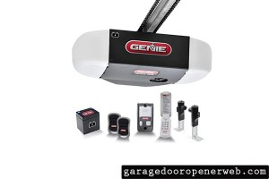 Genie Chain Drive 750 3/4 HPc Garage Door Opener w/Battery