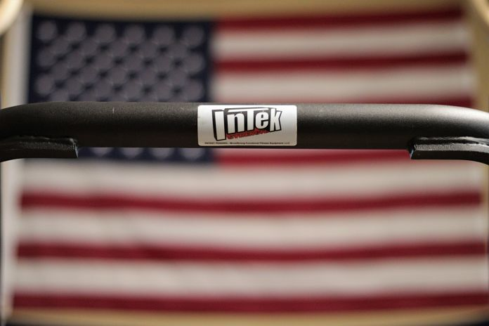 Intek Functional Trap Bar with American Flag Background