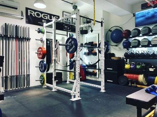 Step into ronskis powerlifting garage gym garage gym lab