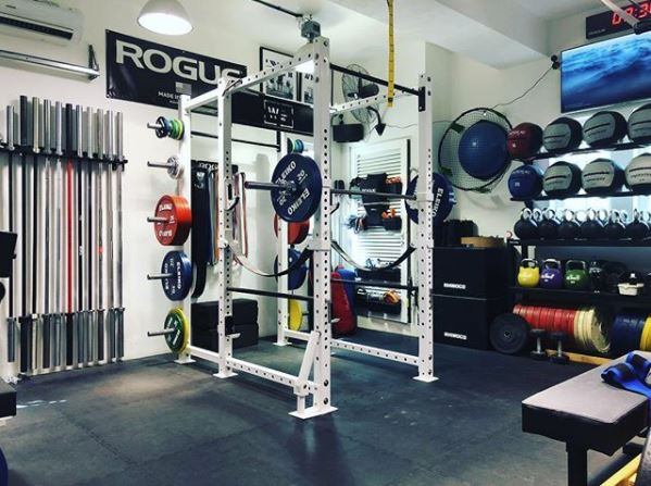 Step into ronski s powerlifting garage gym lab