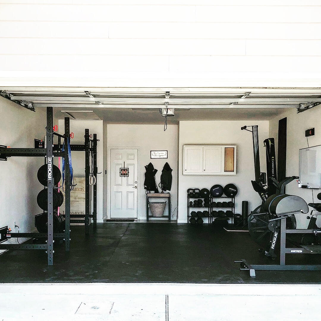 Step into this crossfit couple s sweet garage gym garage gym lab