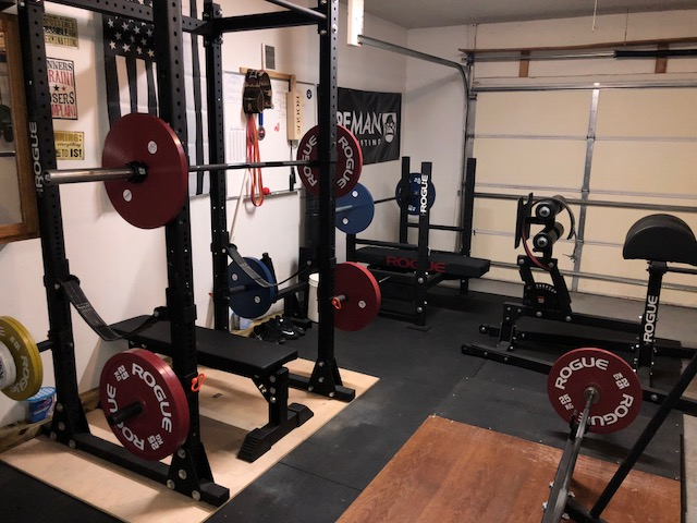 Step into this swat officer s powerlifting garage gym