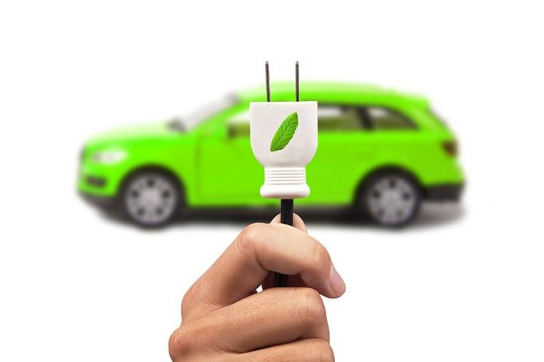 Brasileiros querem carros elétricos, mas eletrificação tem muitas barreiras