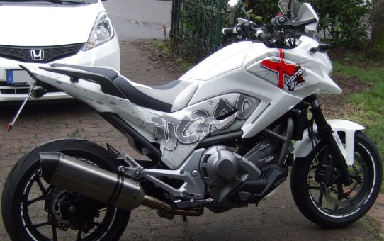 Honda NC700X Custom Airbrush Styling