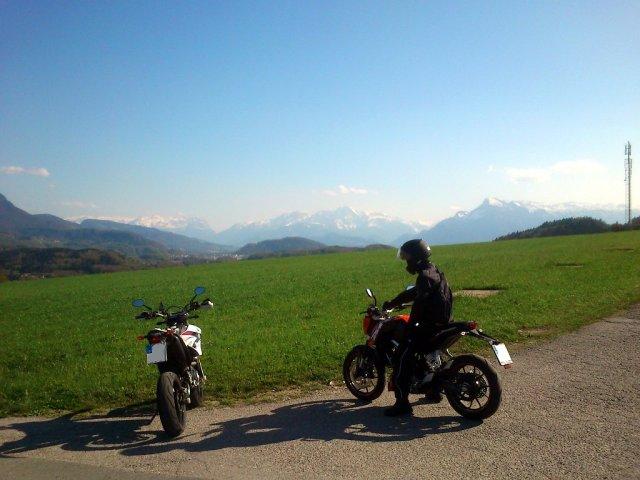 Nähe Salzburg, KTM Duke 125 und Yamaha WR250R