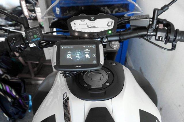 Tankmontage Tomtom Rider 400 an MT-07, mit Navi