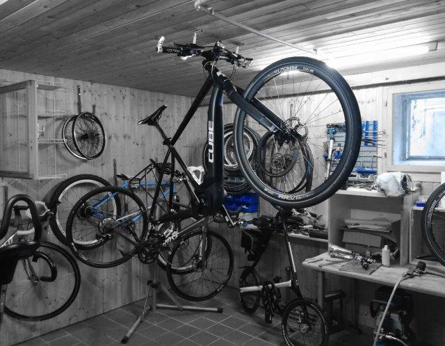 Vorbereitungen zum Laufrad-Umbau in der Werkstatt