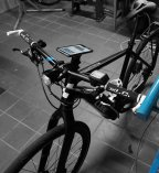 SP Connect Gabelschaft-Smartphone Lenkerhalter am Crossrad-Pedelec