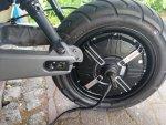 Reifenwechsel am Niu E-Roller