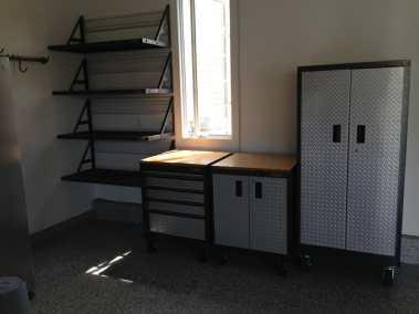 organized-work-area-in-garage