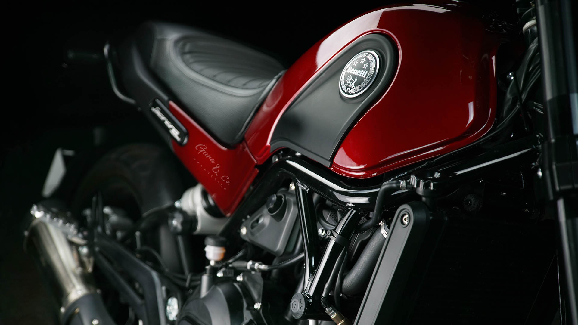 Benelli Leoncino side view photography