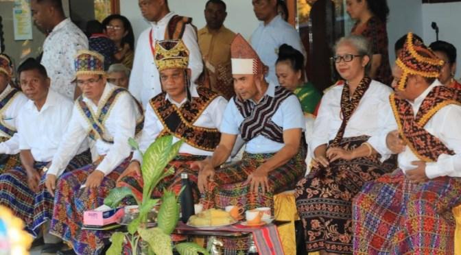 Pengukuhan Keluarga Besar Maumere, Gubernur NTT Pinta Olah Narasi Budaya