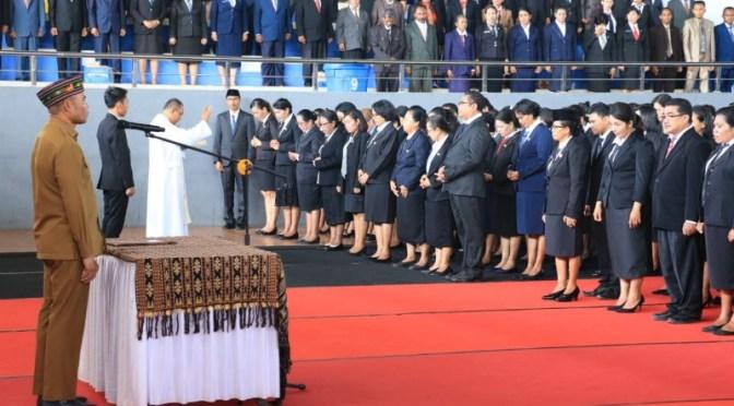 Lantik 2.373 Pejabat Fungsional, Gubernur Viktor Serukan Jadi Agen Perubahan