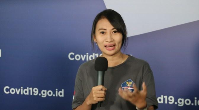 Suka Duka Relawan Covid-19 Perempuan Satu-Satunya Jadi Sopir Ambulans
