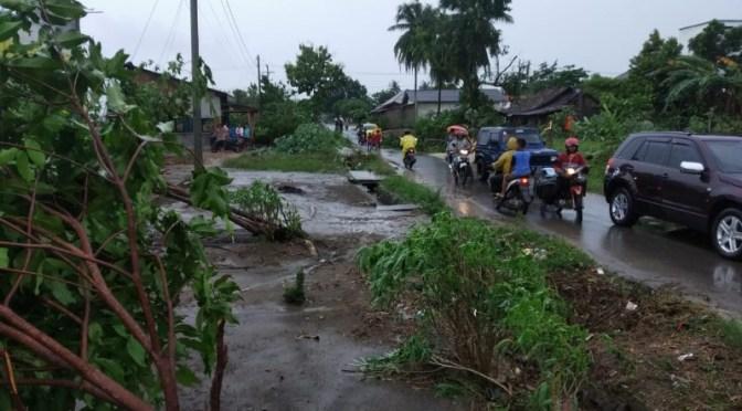 Terjang 200 Rumah di Kab. Tulang Bawang, Angin Puting Beliung Renggut 2 Nyawa