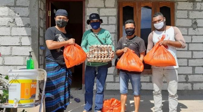 YASPORA NTT Berbagi Kasih Kepada 100 Warga di Tengah Pandemi Covid-19