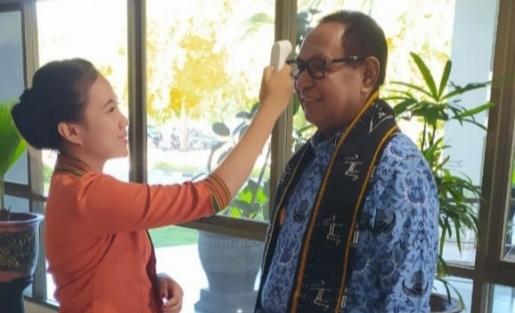 Pulih dari Covid-19, Wakil Gubernur NTT Josef Nae Soi Kembali Berkantor