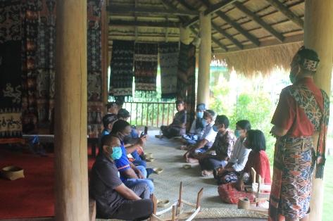Geliat Ekonomi di Desa Kambatatana, Pelaku Usaha: Terima Kasih Bank NTT