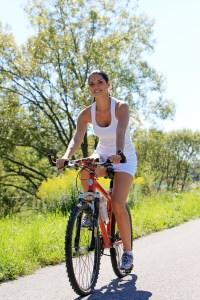 Faire du vélo, promenade, exercices, activité physique
