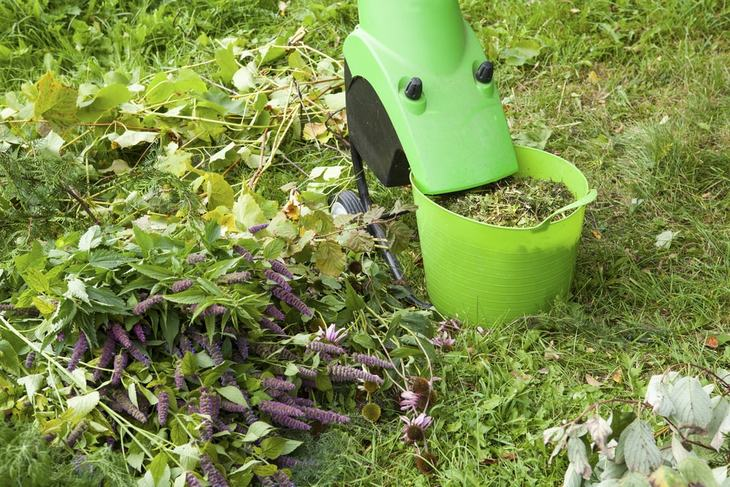 How Mulch Leaves Without Mower