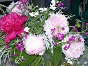 Flower-arrangement-2w