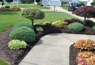 23 Landscaping Ideas With Photos. inside Front Sidewalk Landscaping Ideas