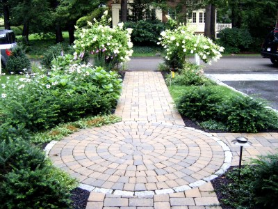 Front Walkway Landscaping Ideas for Front Sidewalk Landscaping Ideas