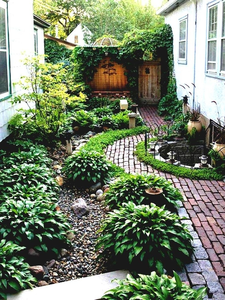 Landscaping Ideas For Narrow Side Yard - Garden Design on Narrow Backyard Landscaping Ideas  id=78016