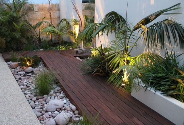 Tropical Landscape Ideas For Small Side Yard - Garden Design on Tropical Small Backyard Ideas id=30798