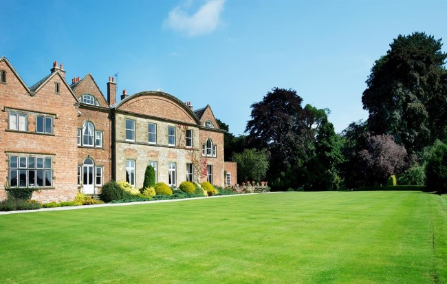 Luxury Holiday Cottages In Peak District, Derbyshire, Cheshire for The Garden House Restaurant Hopton