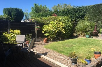 Spacious Bungalow/private Garden-Sleeps Up To 6, Marple, Uk in Garden House Lakes Road Marple