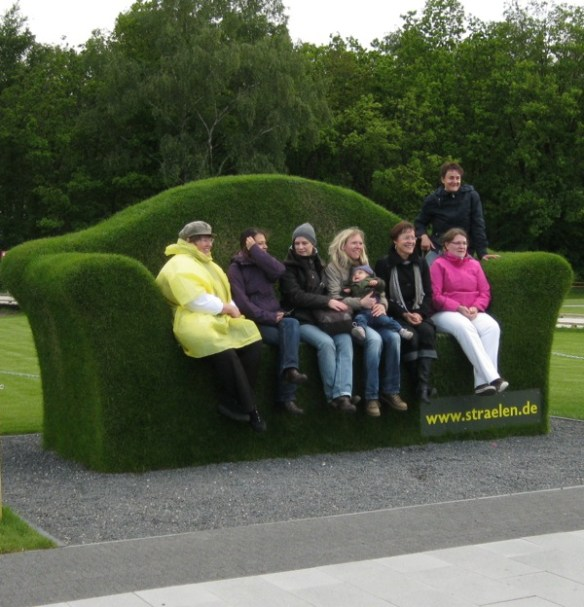 Everyone wanted a photo on the topiary sofa