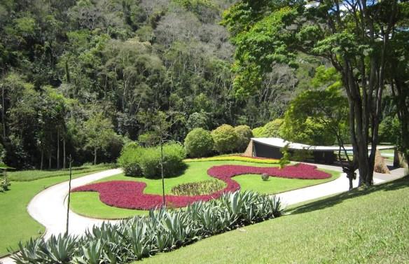 Burle Marx Edmundo Cavanelas garden. Photo Paul Urquhart