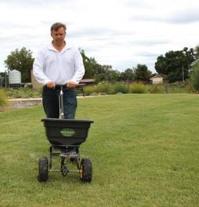 Fertilise your lawn at the right time of year for the turf type and your climate zone