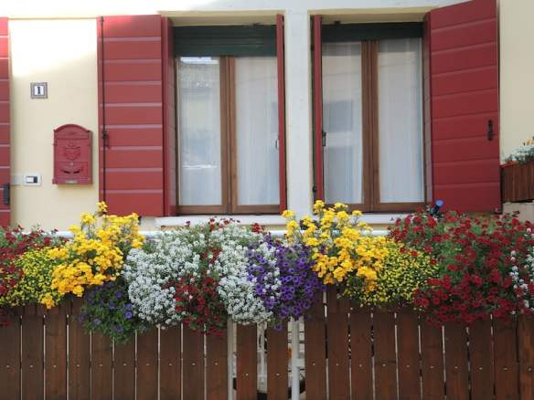 Window Boxes of the Dolomites Photo Helen McKerral07