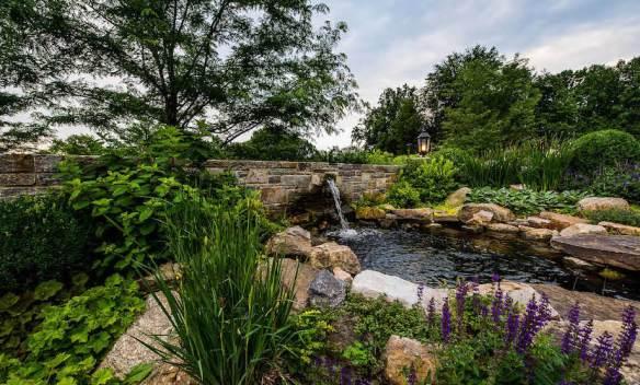 APLD Gold Award Byrn Mawr residence. Design Hess Landscape Architects Inc.
