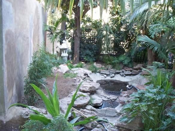 water-feature-in-brendas-garden-before