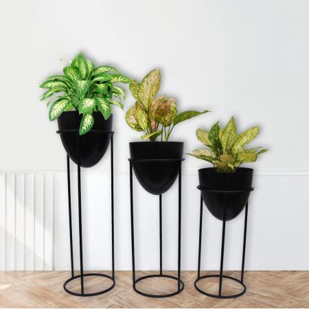 Black half egg planter