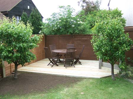 Simple Landscaping Ideas | Tony Hakim- The Gardener on Easy Back Garden Ideas id=85299