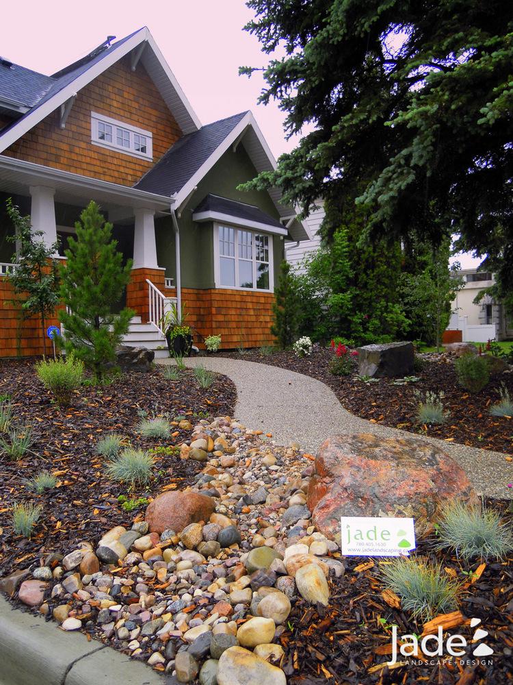 30 Incredible Front Yard Landscaping Ideas - Gardenholic on Backyard Landscape  id=40946