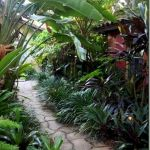 30 Amazing and Beautiful Tropical Garden Ideas (4)