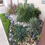 40 Beautiful Front Yard Rock Garden Landscaping Ideas (12)