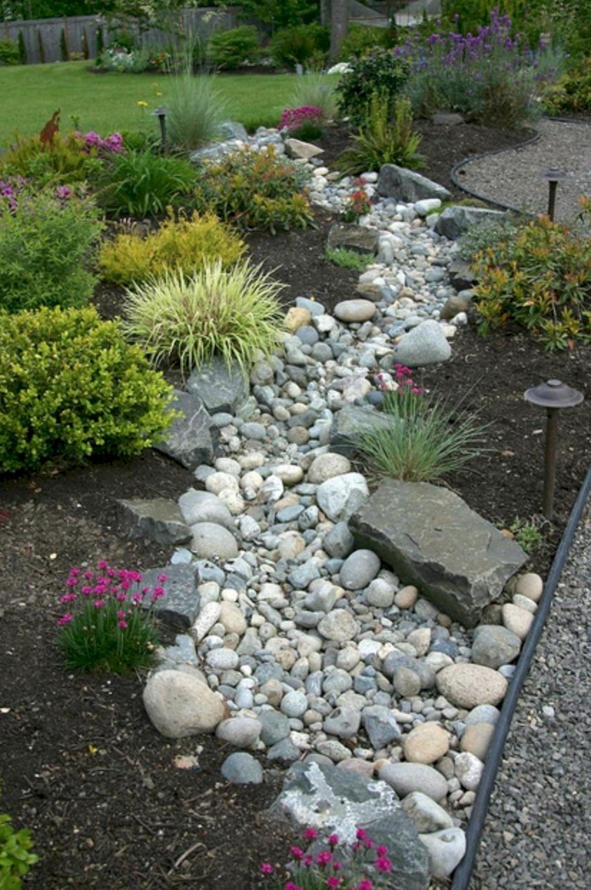 40 Beautiful Front Yard Rock Garden Landscaping Ideas (2)