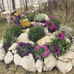 40 Beautiful Front Yard Rock Garden Landscaping Ideas (7)