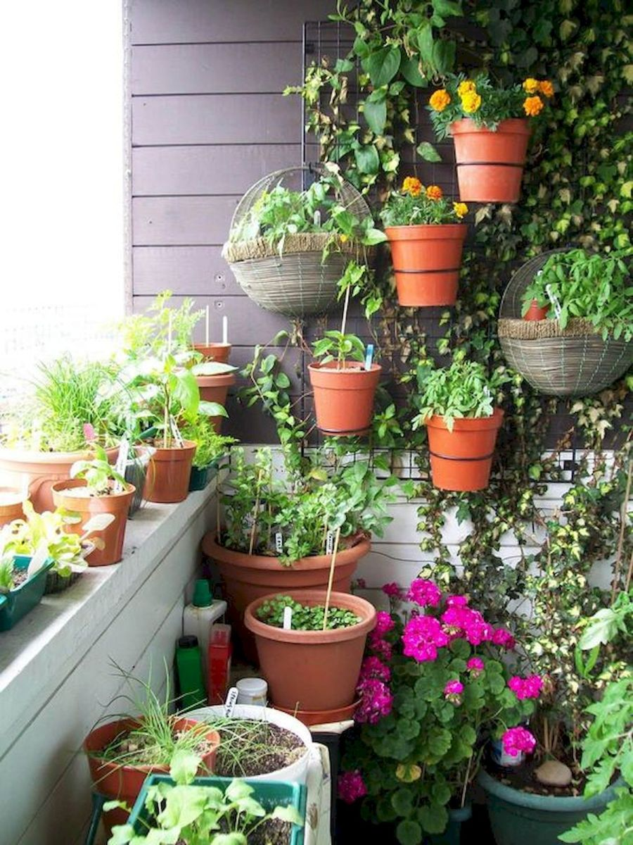 70 Awesome Small Garden Ideas for Apartment (18)
