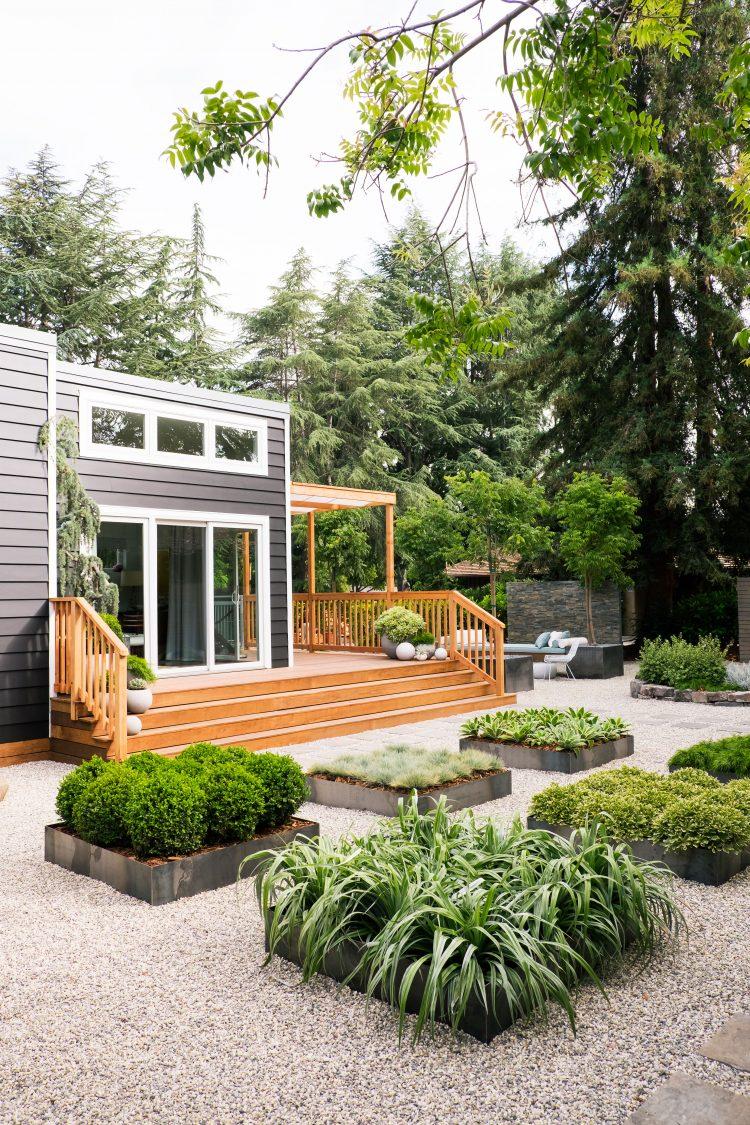 50 Modern Front Yard Design 14